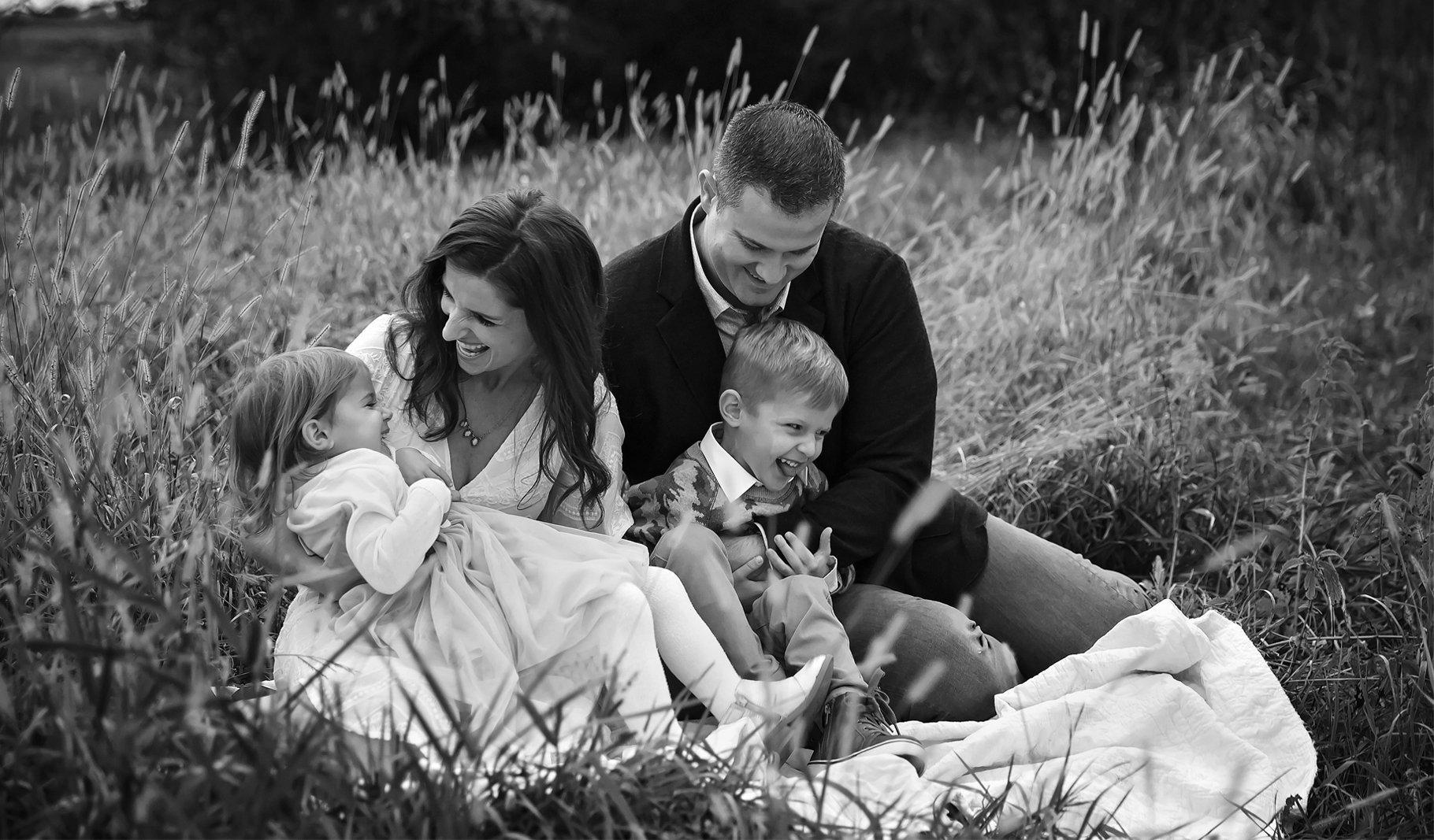 Families, Sycamore, St Charles, Geneva IL Newborn and Family Photographer, Newborn Photographer, Baby Photographer, Photographer near me