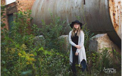 Hampshire IL Senior Photographer | Meet Corin